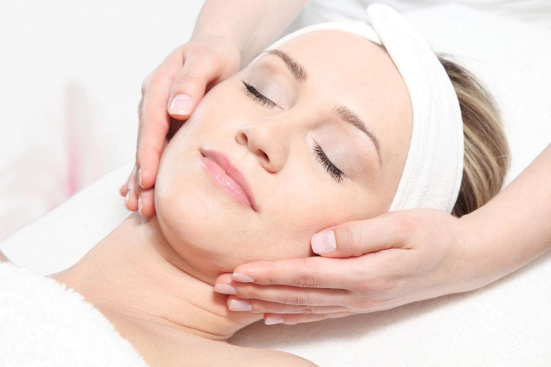 Optimalen Gesichtspflege mit Hautanalyse
