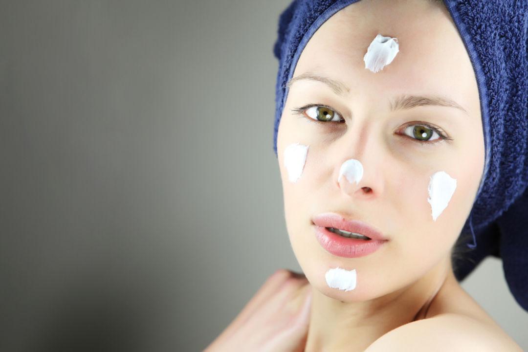 Natürliche Gesichtspflege als gelungenes Anti-Aging Konzept