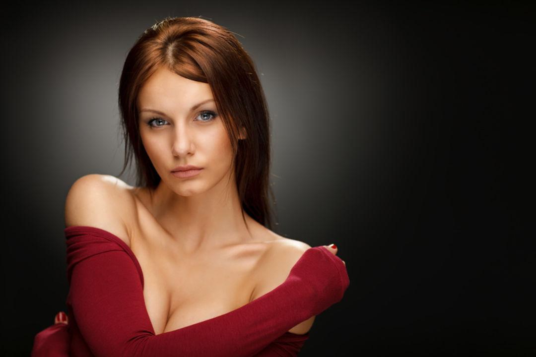 Hals und Dekolleté Behandlung für eine schönere Haut