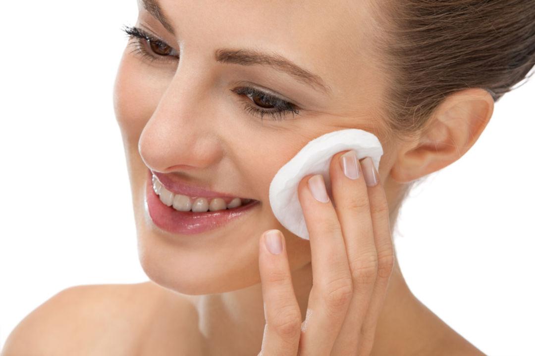 Wohltuende Express Behandlung der Gesichtshaut