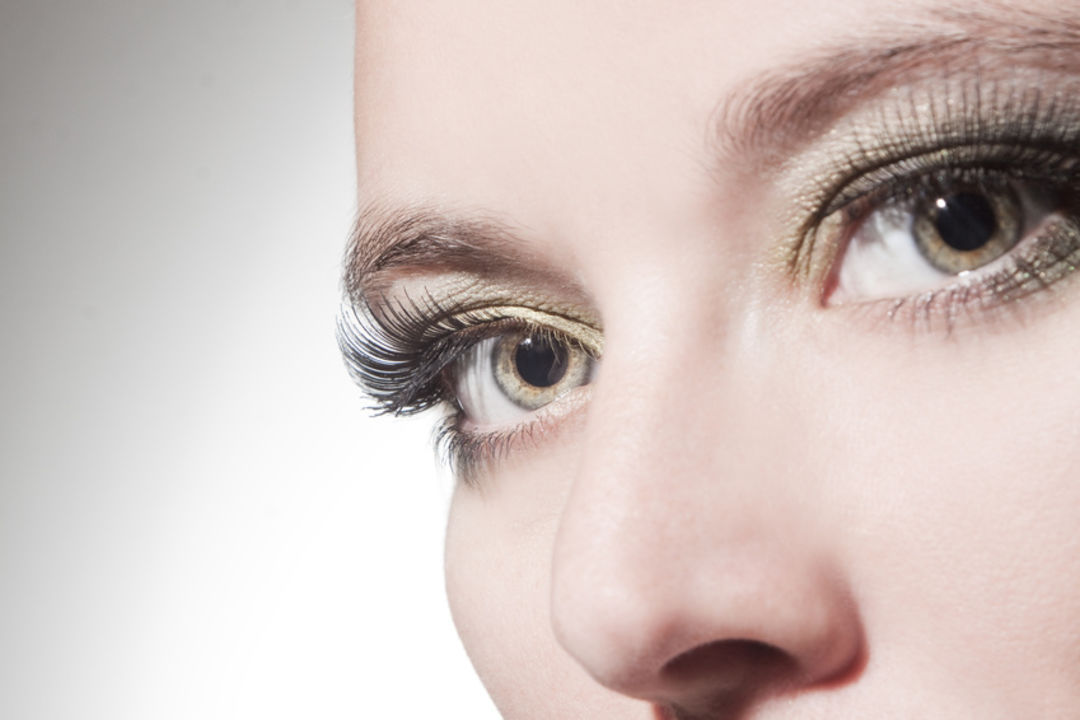 Magische Augenblicke – Mit der Wimpernwelle zum perfekten Augenaufschlag