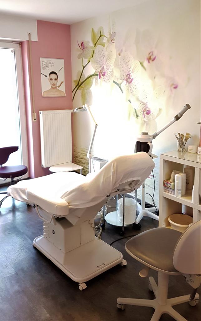 Mobile Fußpflege und Kosmetik in Grevenbroich (Kosmetikstudio)