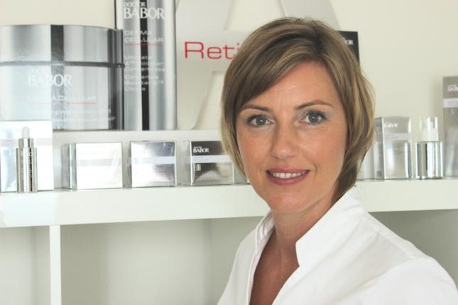 Handpflege bei Ihre Kosmetikerin - Larissa Schmidbauer in Leverkusen, Nordrhein-Westfalen
